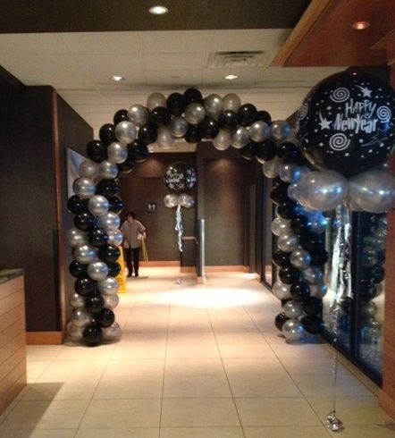 Spiral Arch And 3 Foot Balloon Decor
